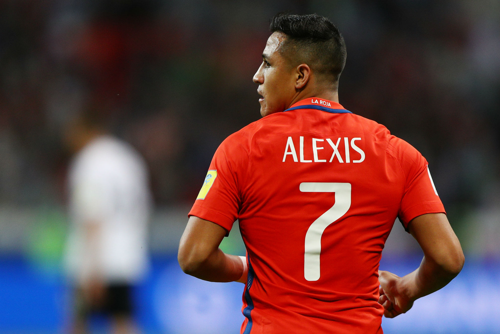 alexis sanchez Manchester united have signed alexis sanchez from arsenal, in a swap deal  with midfielder henrikh mkhitaryan chile forward sanchez, 29,.