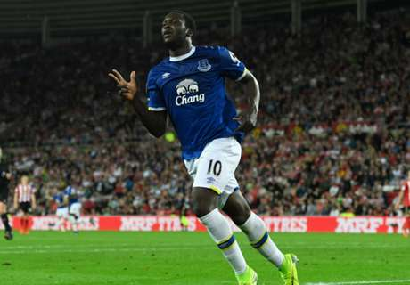 Everton Terus Tekan Man United