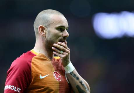 Gala terminate Sneijder contract