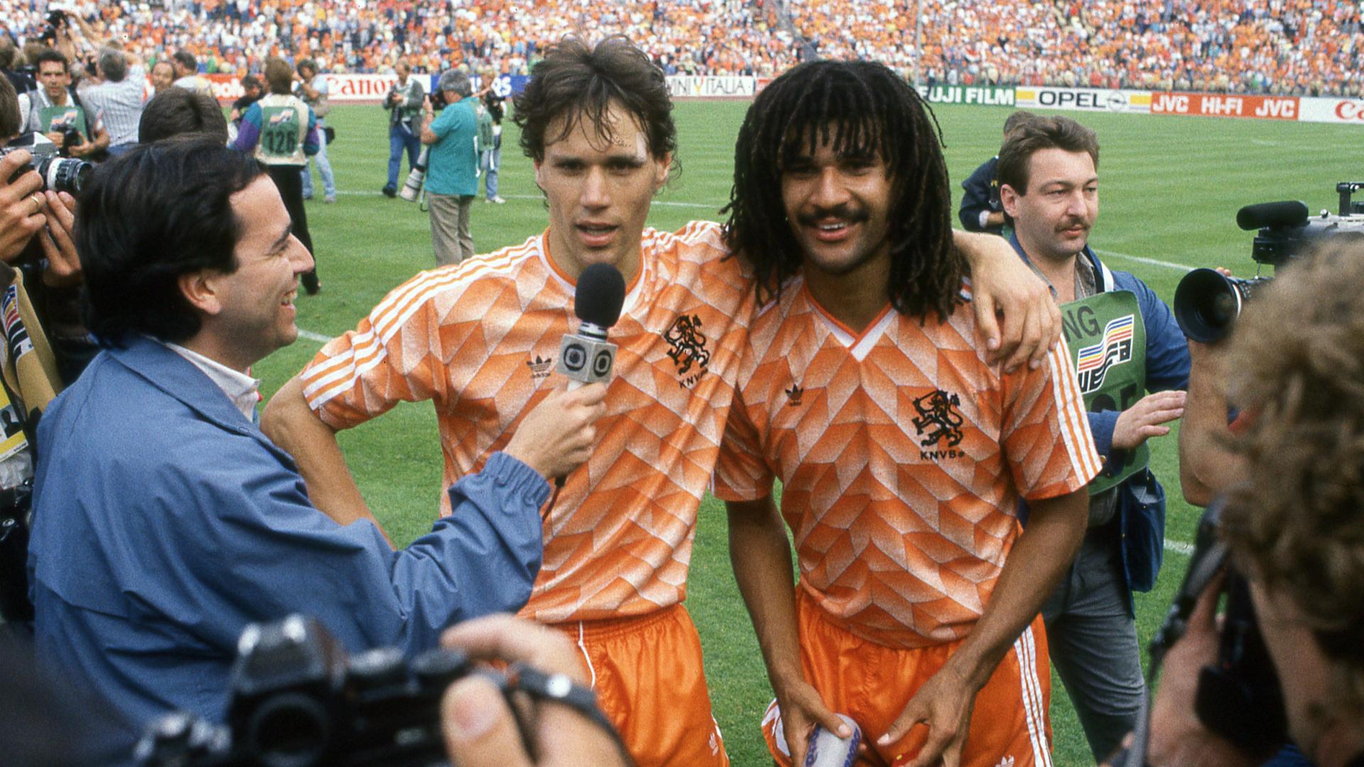 Marco van Basten Ruud Gullit EK 1988 Goal