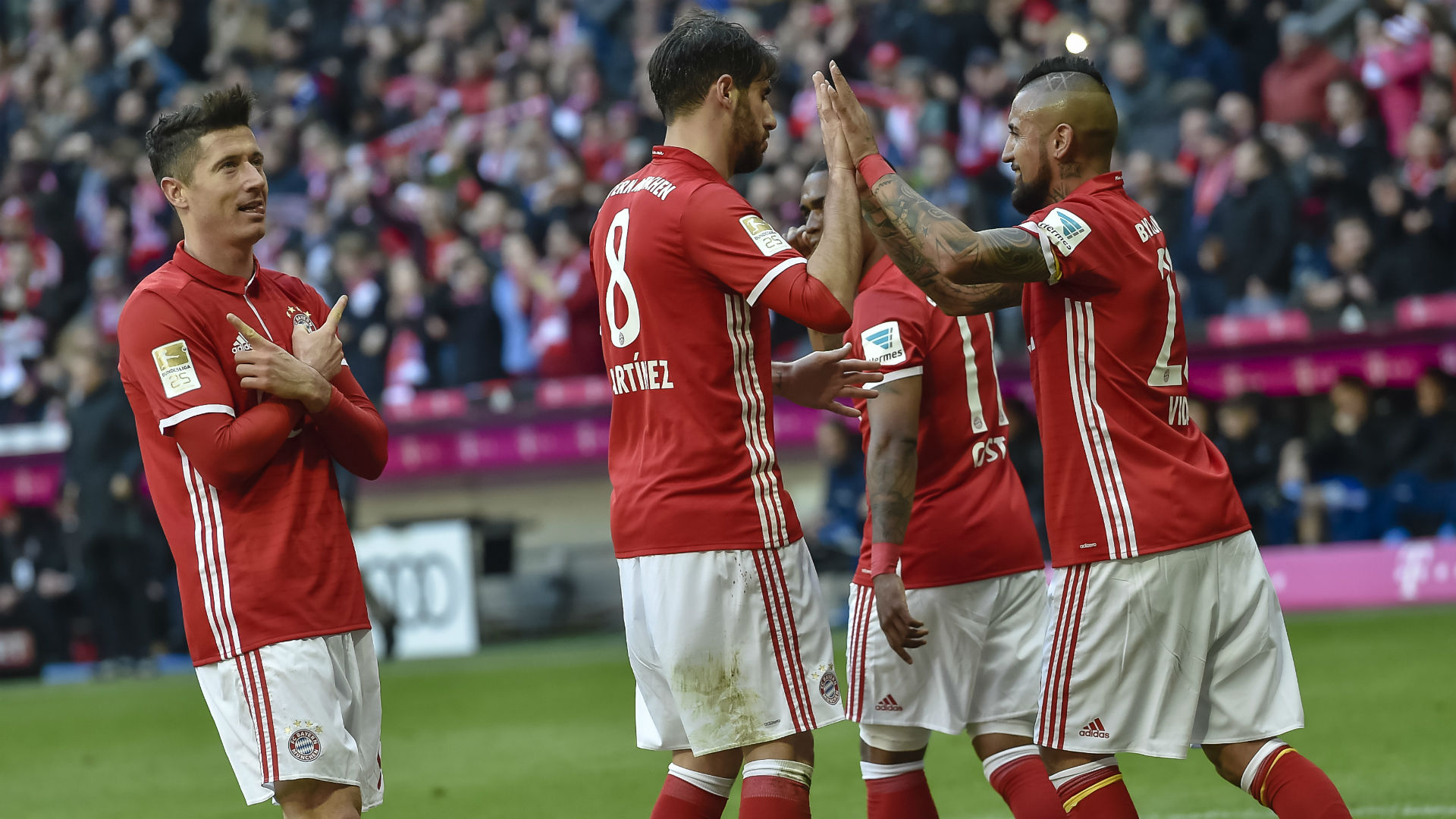 Bayern Munich celebrates Hamburg