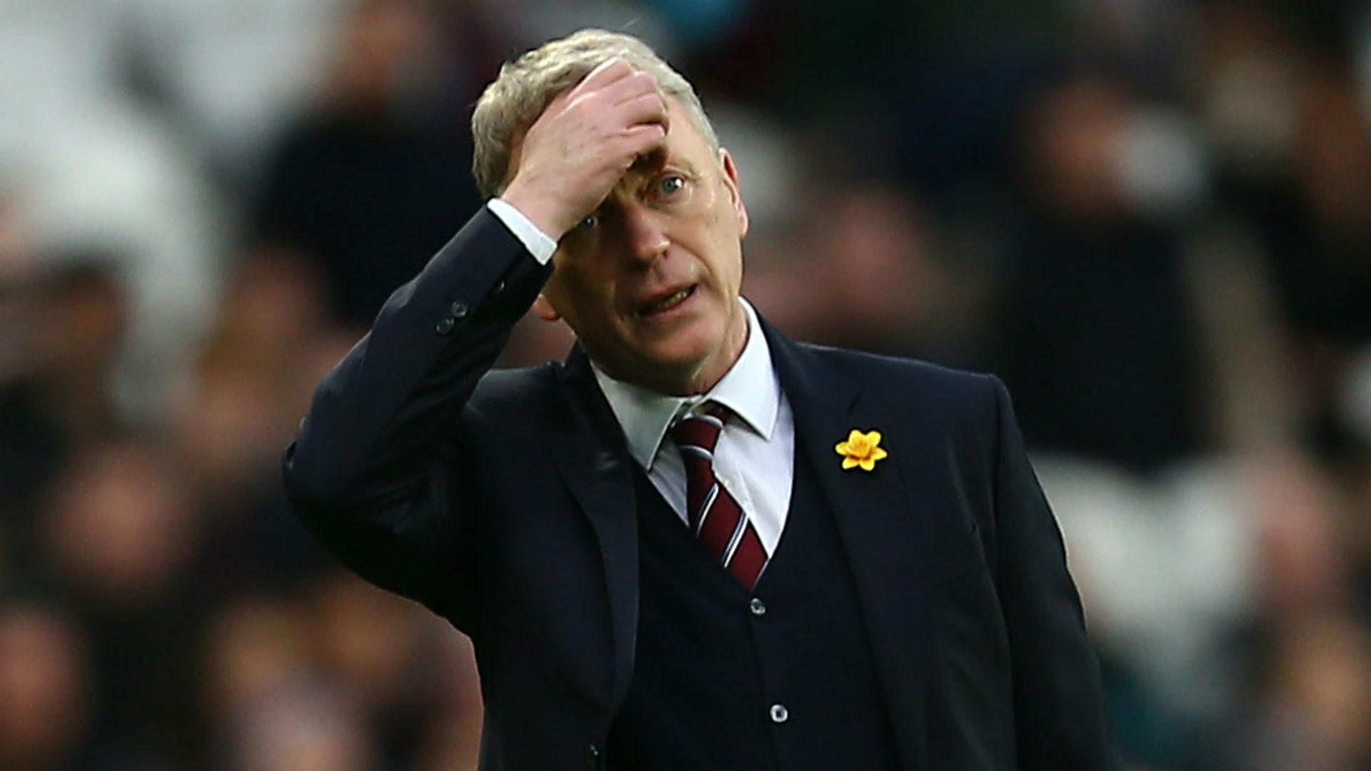Former Man Utd manager Moyes leaves West Ham