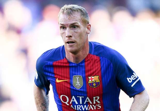 Barcelona defender Mathieu completes Sporting move