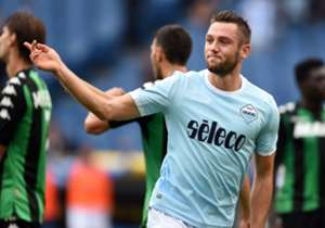 """<p><font color=""""#009966"""" size=""""3""""><b>Stefan de Vrij</b></font></p> <p><em>Difensore l 25 anni </em></p> <p><font color=""""#ff9933"""" size=""""3""""><b>Lazio</b></font></p>"""