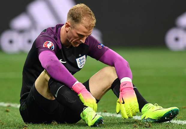 Cut loose, footloose! Why goalkeepers today must pass & move like Bravo