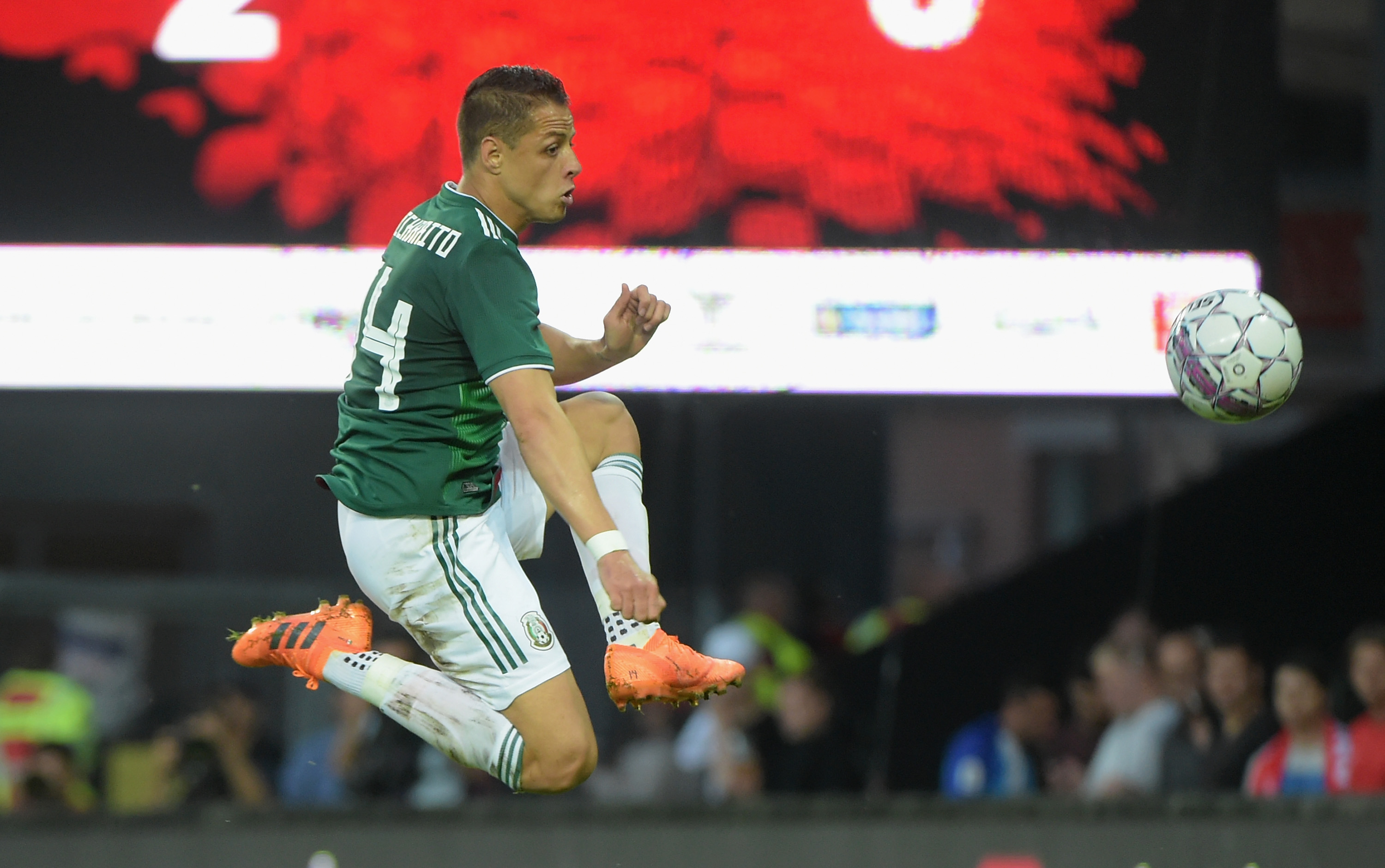 VIDEO: The evolution of ball striking with Javier Hernandez