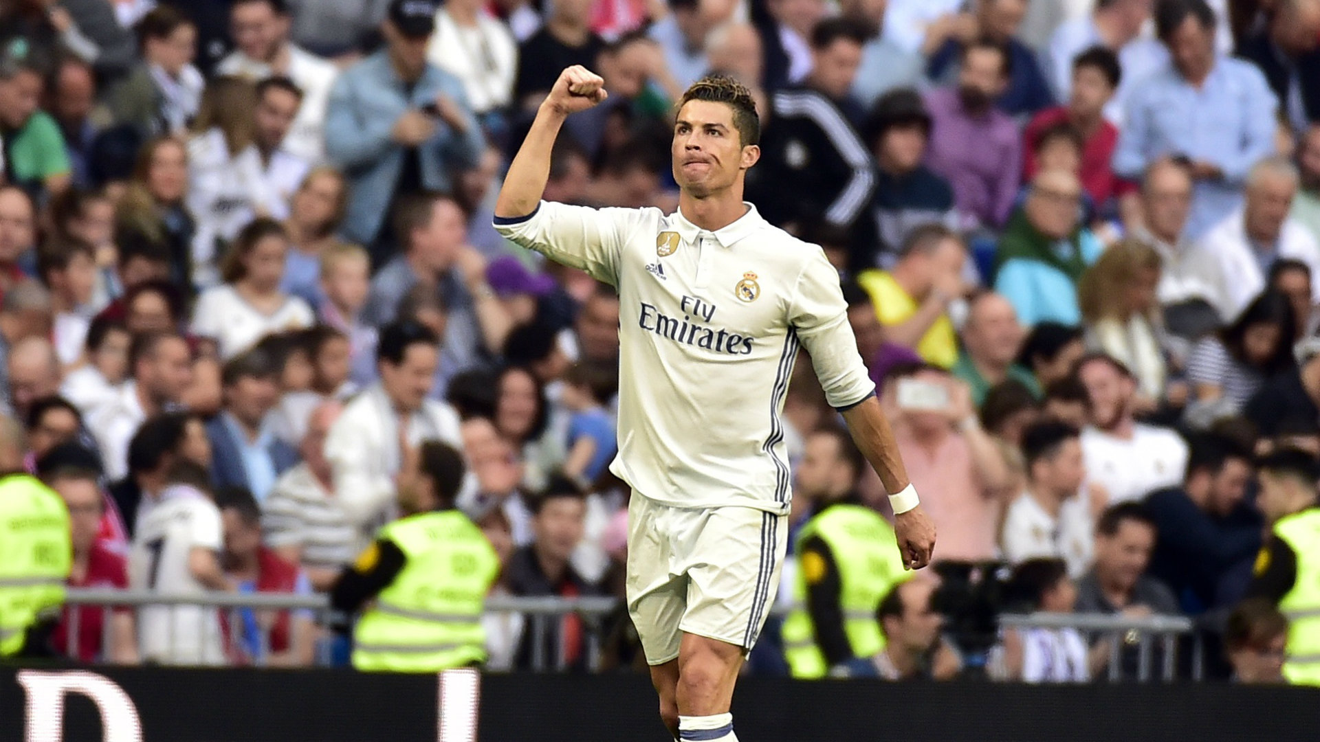 Real Madrid, Barca set up final day title showdown