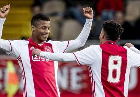 Jong Ajax geeft VVV voetballes in Venlo
