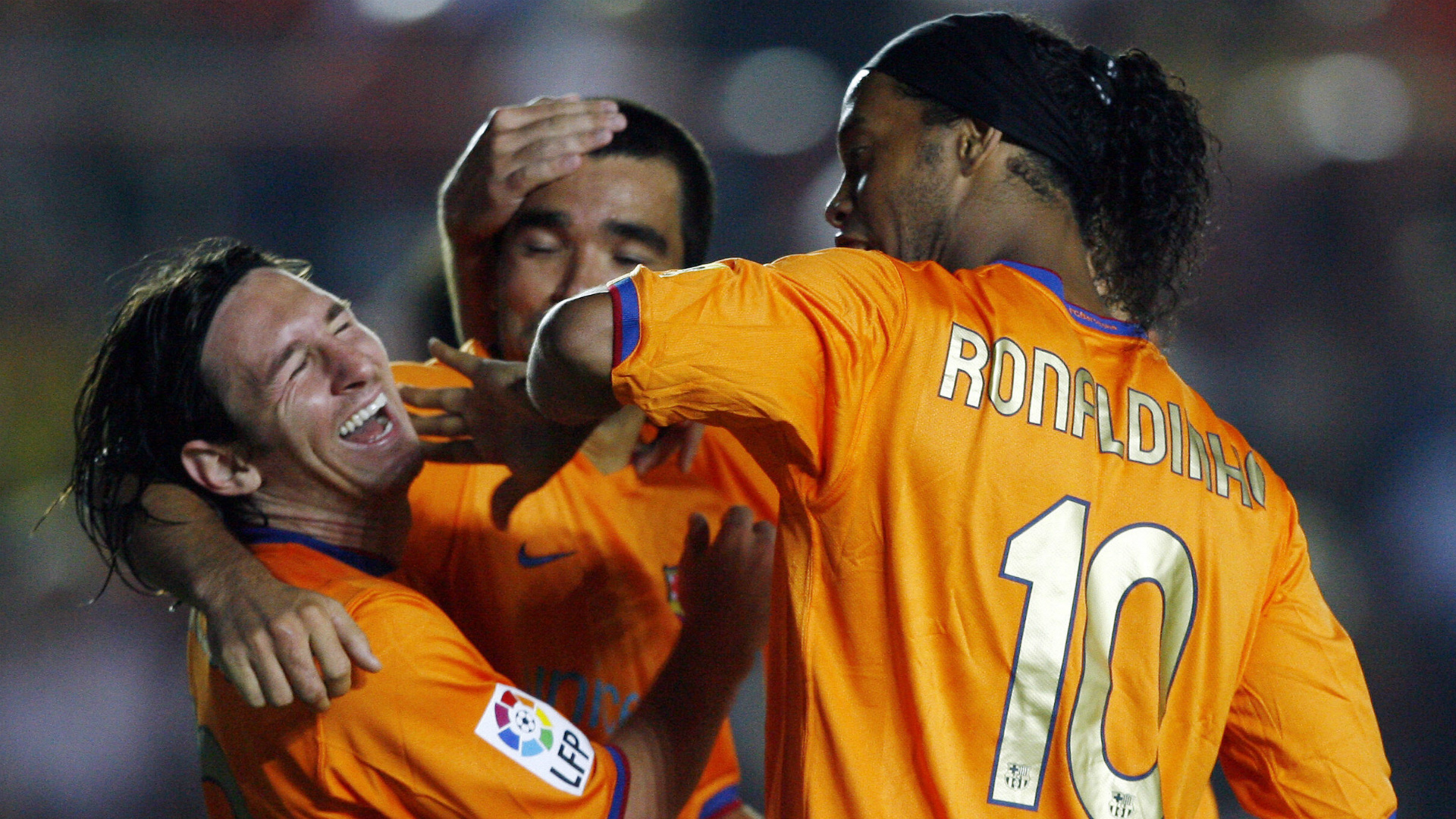 Barcelona sold 'drunk' Ronaldinho & Deco to protect Messi - Hleb