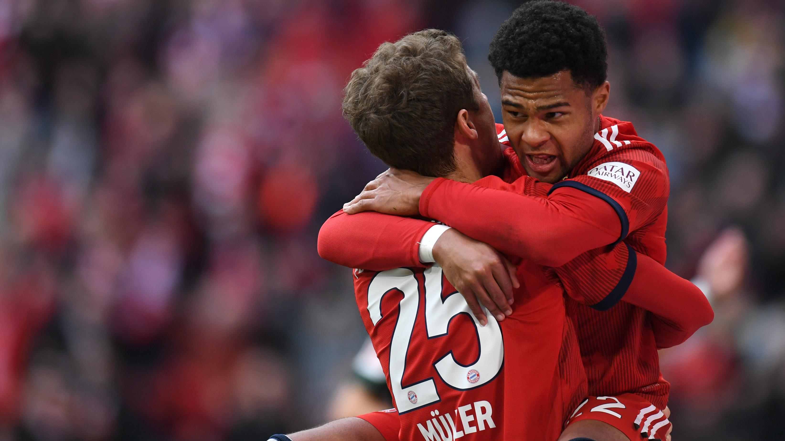 Bayern Munich - Serge Gnabry vole au secours de Thomas Müller
