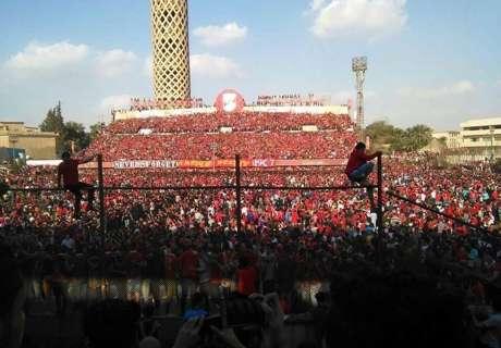 Tifosi Al Ahly invadono il campo: allenamento sospeso