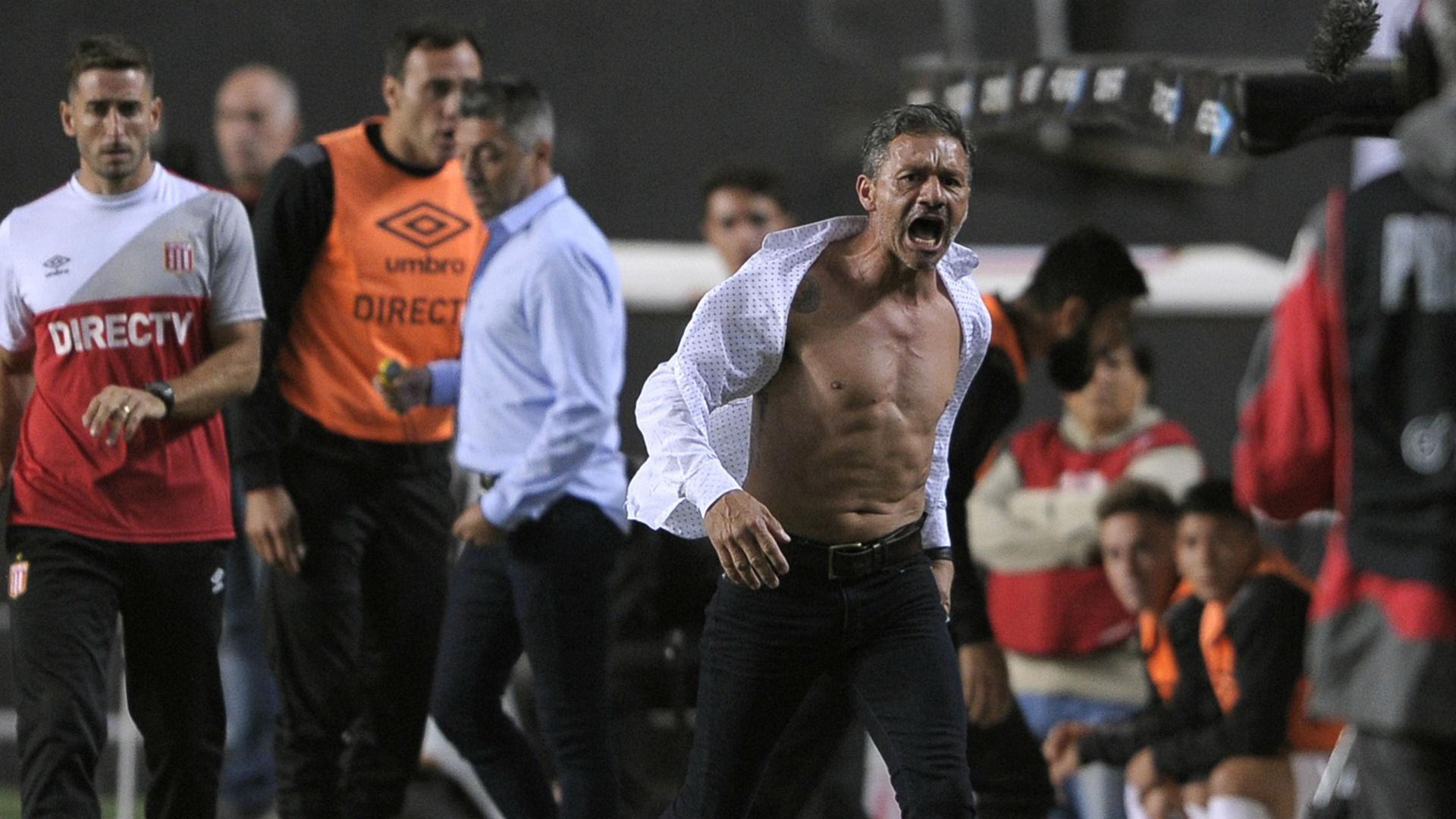 Former Arsenal defender Nelson Vivas goes into Hulk mode!