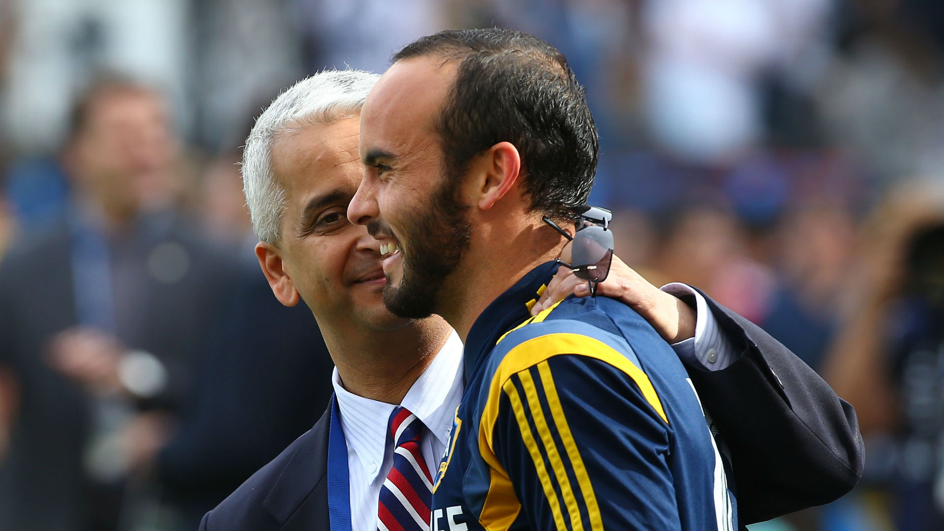 Landon Donovan adapting to transition from the soccer field to TV booth