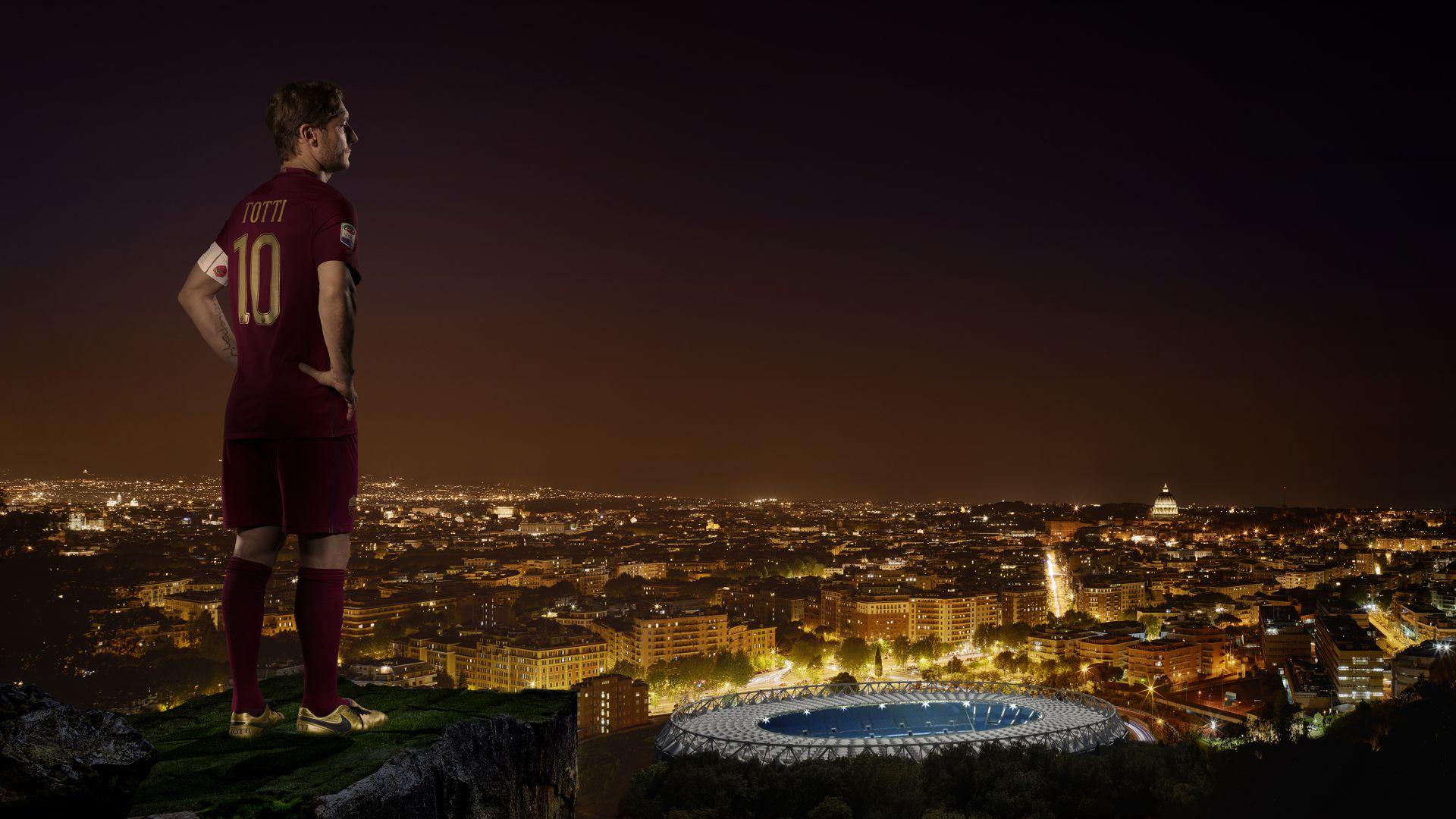 Totti, scarpini in edizione limitata per celebrare 25 anni di Roma
