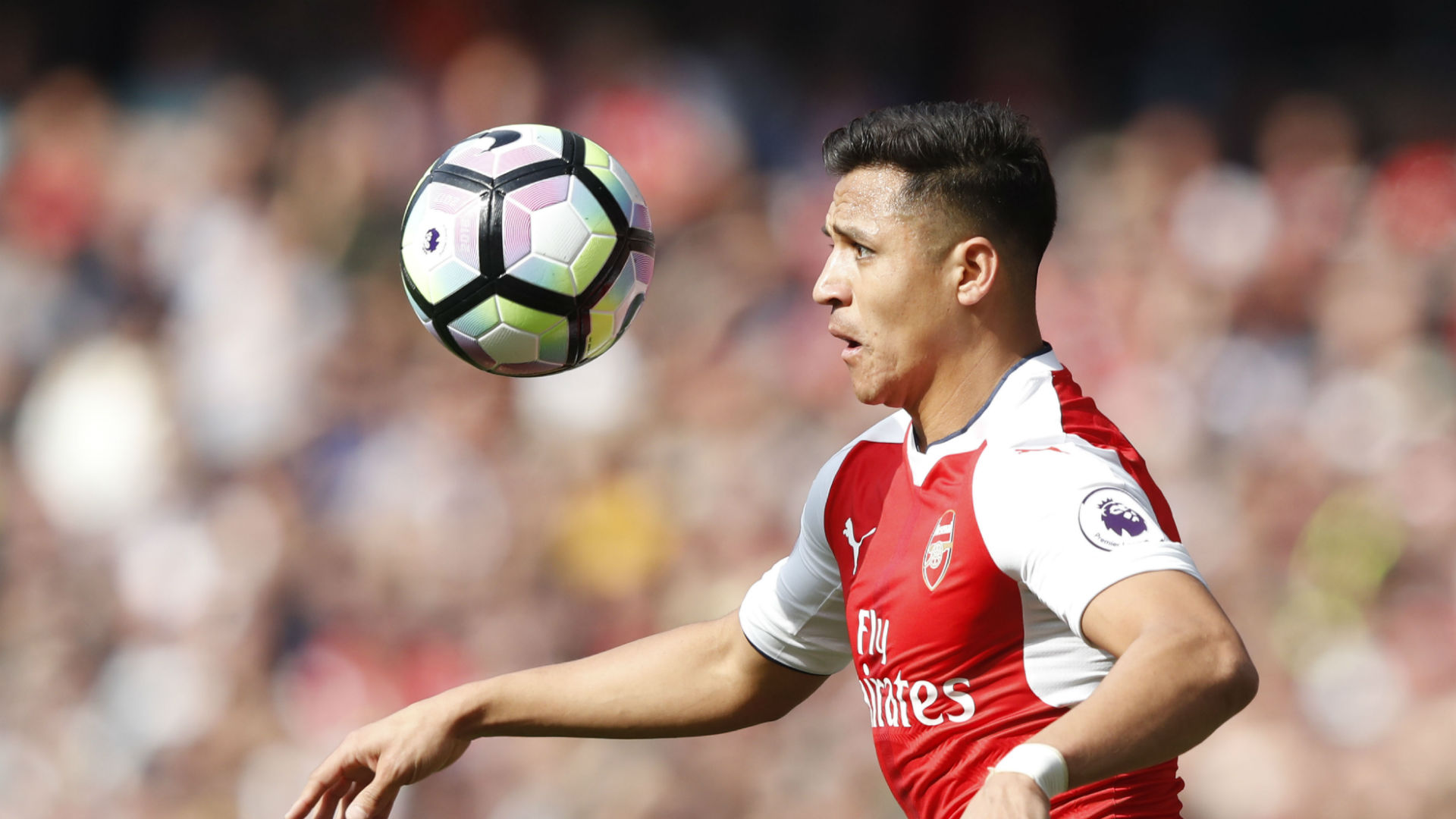 Olympic champion Usain Bolt wants Alexis Sanchez to join Man Utd