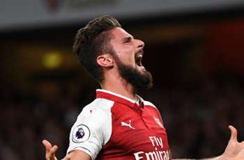 Why Arsenal duo Lacazette & Giroud can play together