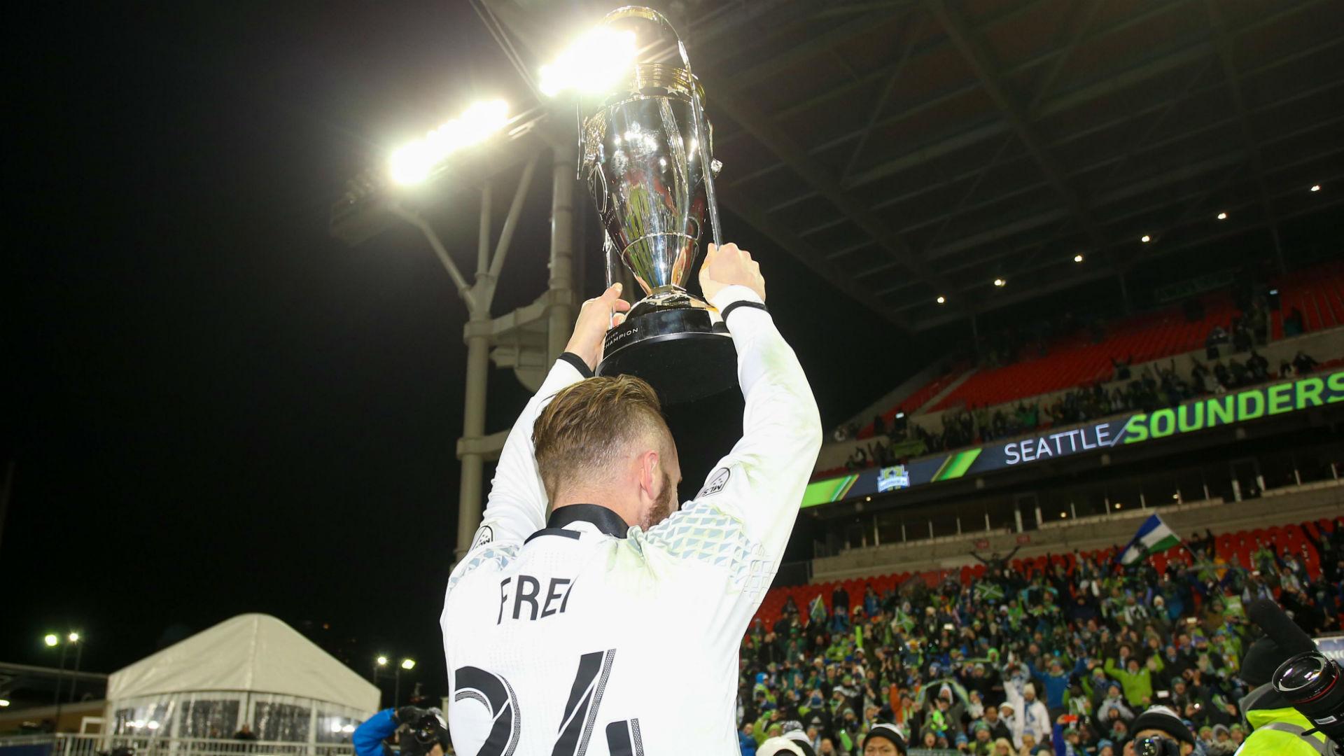 Stefan Frei MLS Cup trophy Seattle Sounders 121016