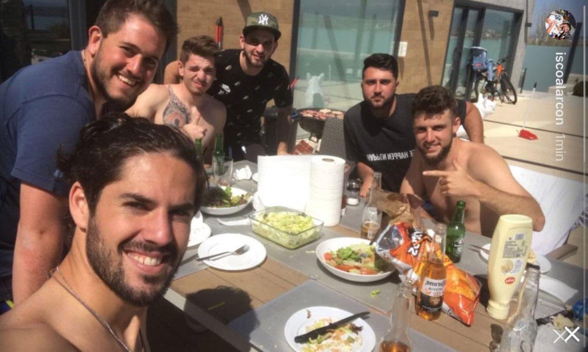 Isco fuels barcelona transfer rumours with instagram photo - Casa de madrid en barcelona ...