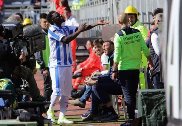 Muntari walks off field during Pescara's game at Cagliari due to alleged racist abuse
