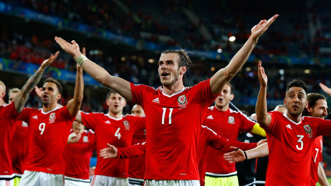 http://images.performgroup.com/di/library/GOAL/99/a7/gareth-bale-wales_12wv8ahm1xpmm11qkwehszdk7m.jpg?t=-1474130019&quality=90&h=630