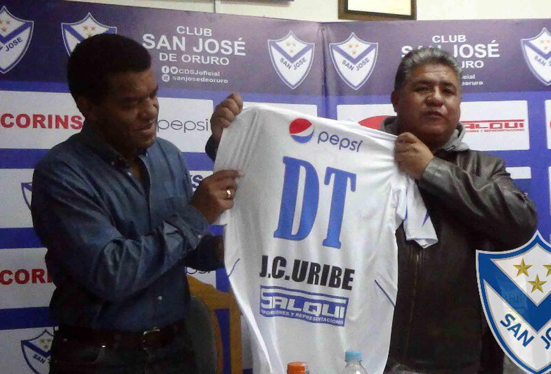 Uribe toma el mando del San José de Bolivia — PERÚ