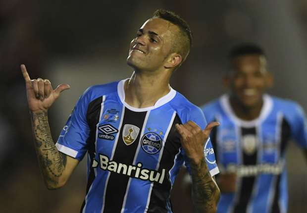 Barcelona target Luan follows in Neymar's footsteps with South American Footballer of the Year award