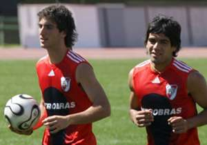 <p><strong>GONZALO HIGUAIN - RADAMEL FALCAO (River Plate 2004/05)</strong></p>