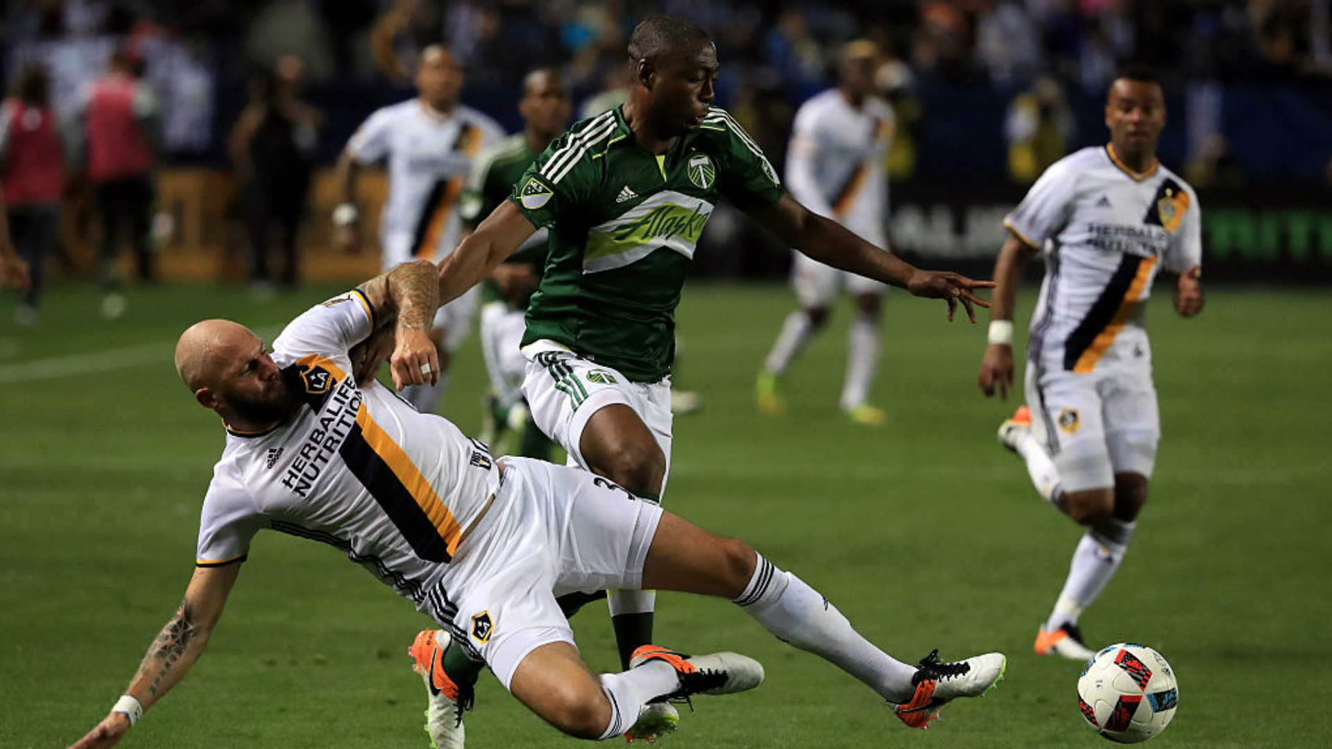Jelle van Damme Fanendo Adi MLS 04102016