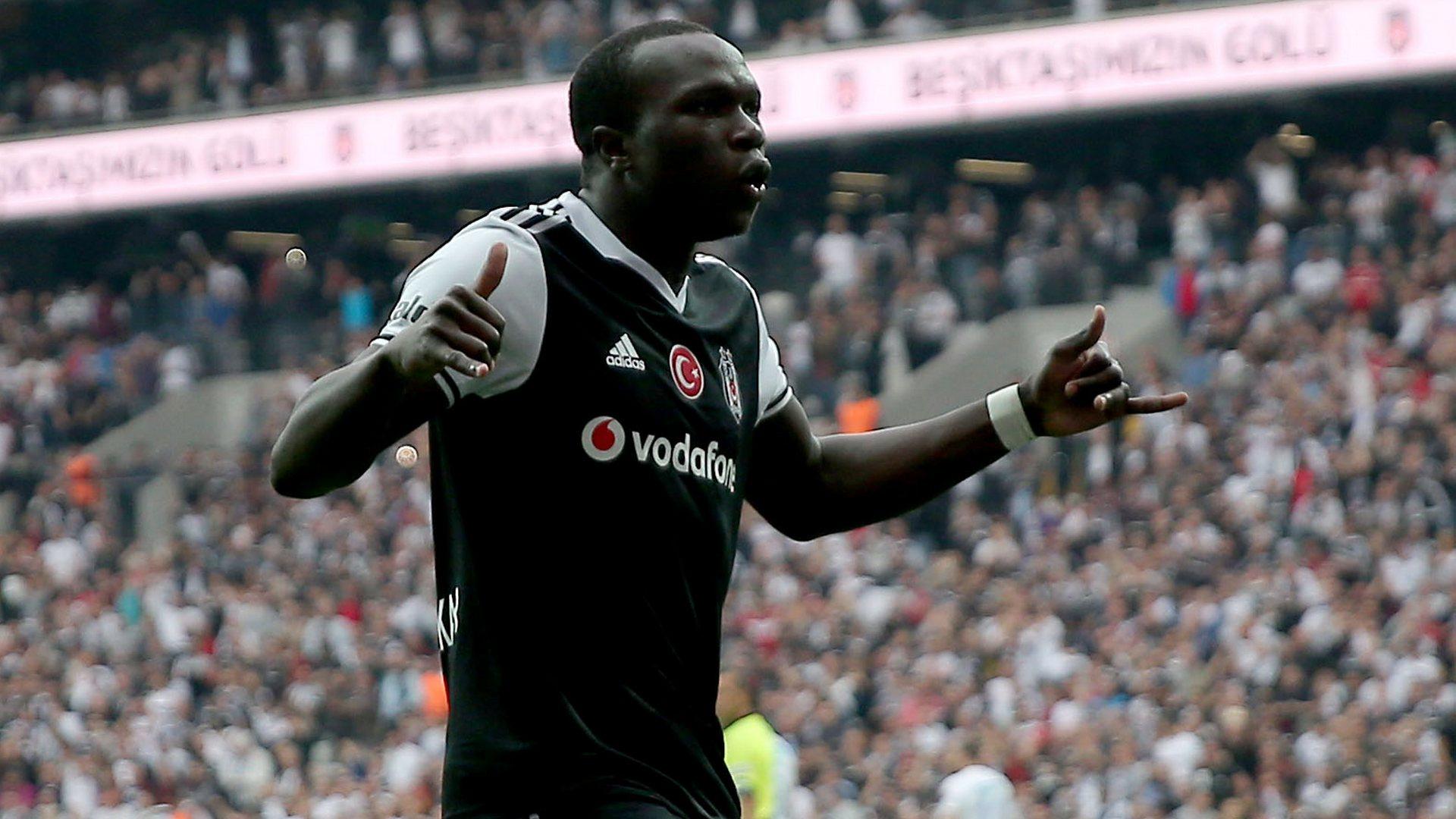 Beşiktaş Başkanı Fikret Orman, Aboubakar'ı tekrar kiralamak için Porto ile görüştü