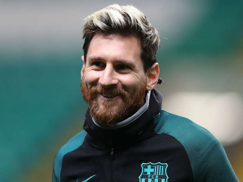 """Sampaoli garante: """"Comparar Messi com os outros é como comparar o Batman com um policial"""""""