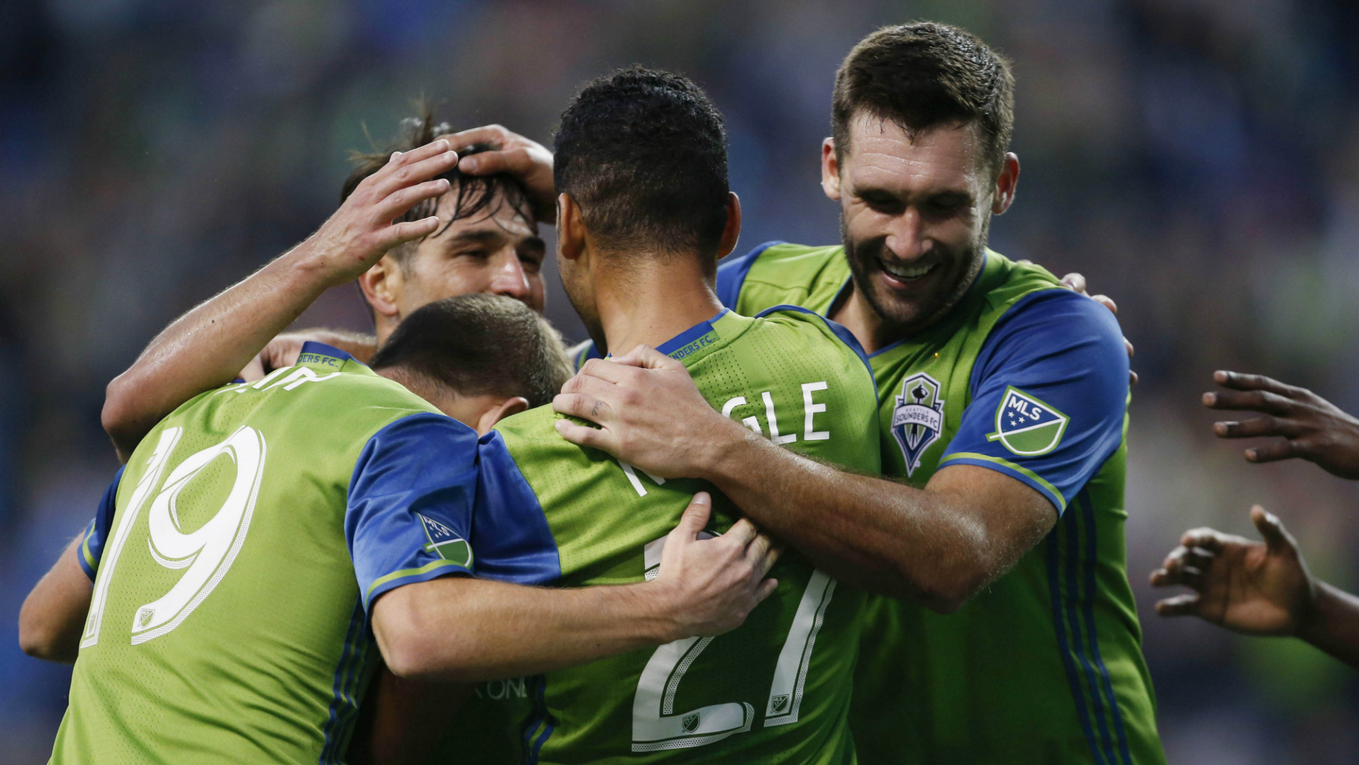 Harry-shipp-lamar-neagle-will-bruin-seattle-sounders_1q3834v0u4uniz2psw1p0038b