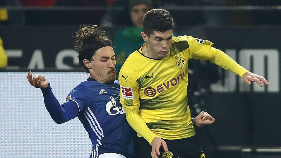 Benjamin Stambouli Christian Pulisic Schalke Dortmund