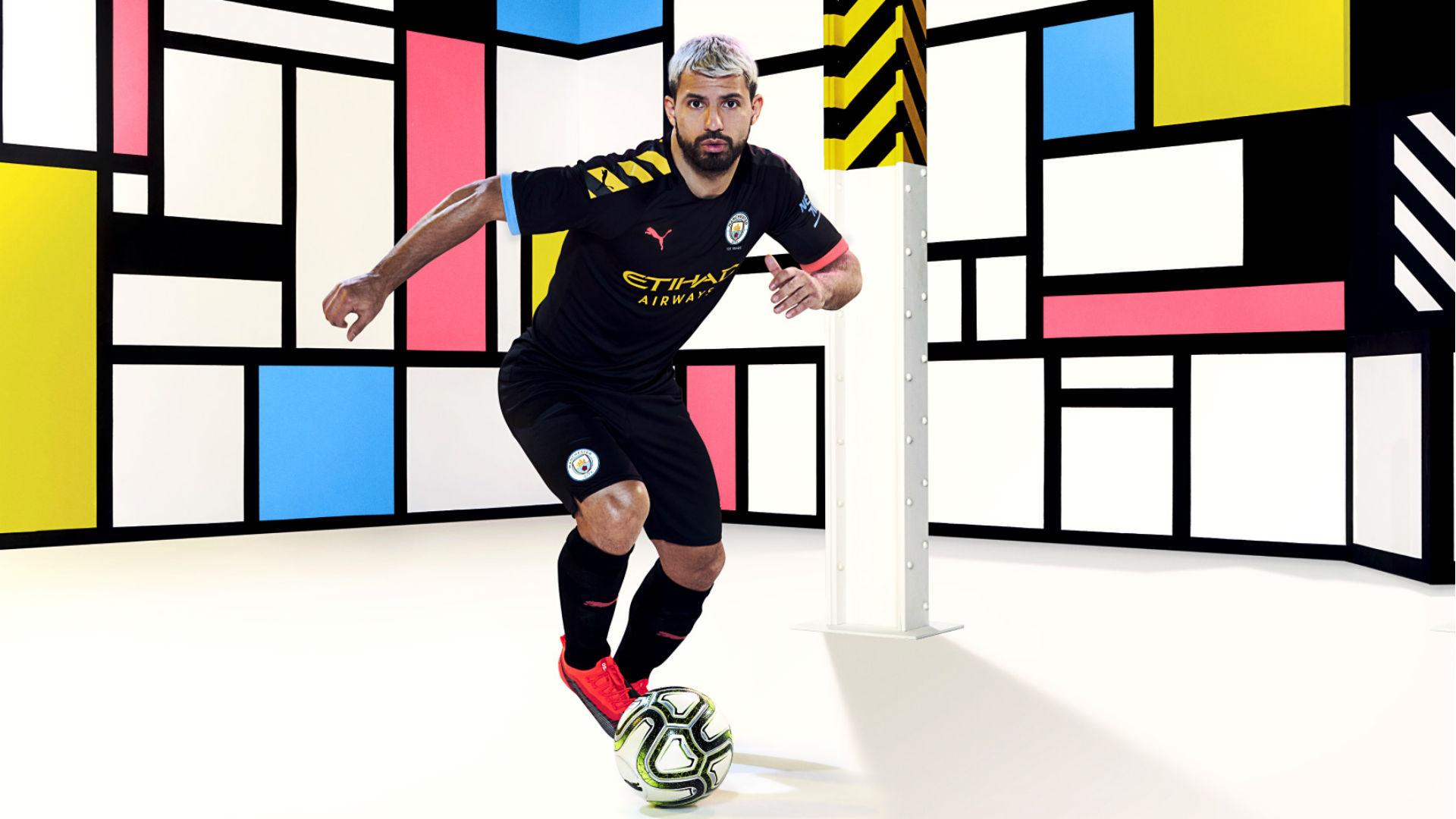 Manchester City dévoile ses nouveaux maillots pour la saison 2019-2020