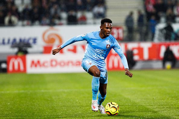 Opa Nguette rempile au FC Metz