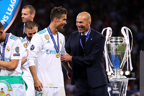 "Real Madrid - Cristiano Ronaldo encense Zinedine Zidane ""Il m'a fait me sentir spécial"""