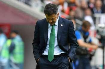 Chicharito slams Osorio critics in message of support for Mexico coach