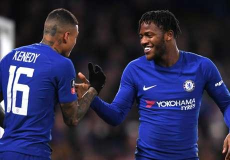 Nine-man Chelsea squeak past Norwich