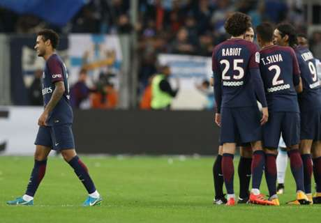 Frustrated Neymar bailed out by Cavani