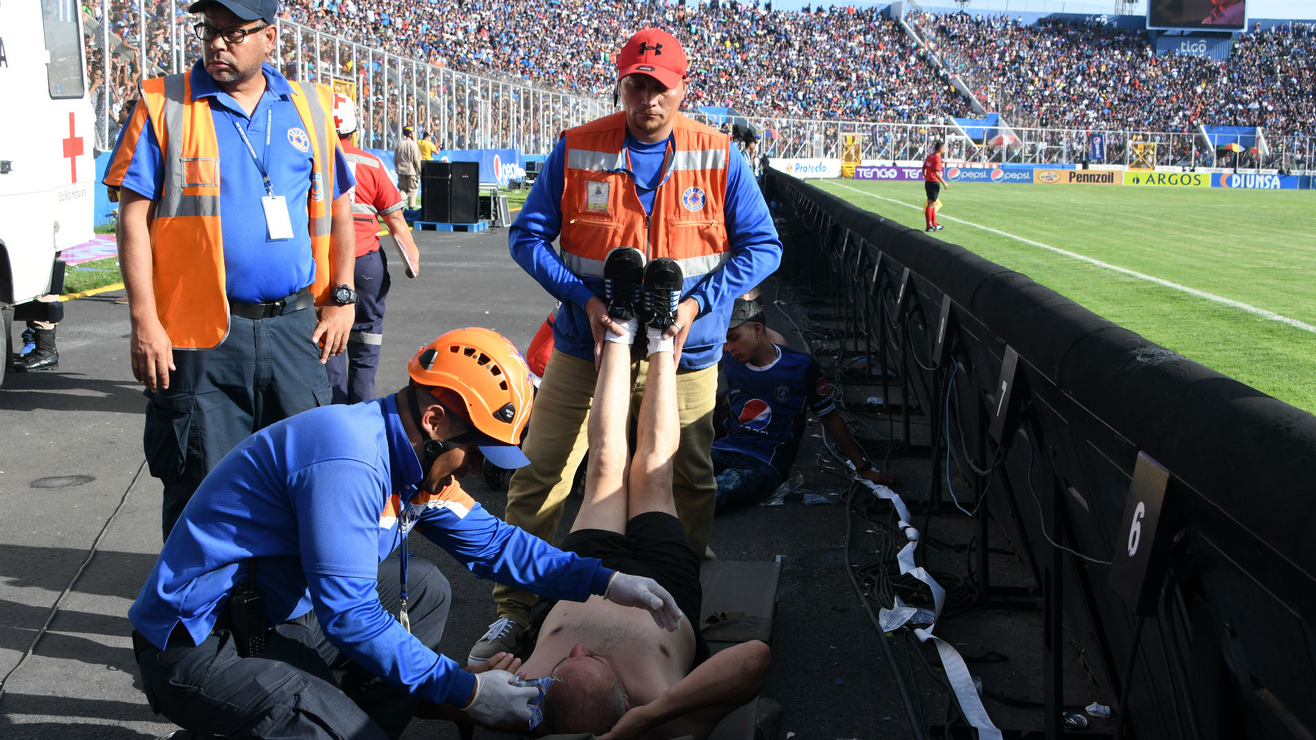 YOUTUBE Honduras, ressa tra tifosi allo stadio di Tegucigalpa: almeno 4 morti