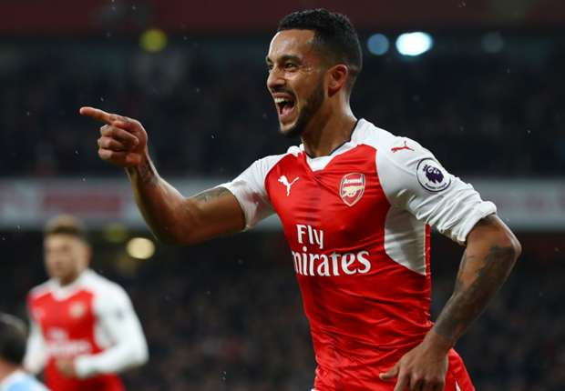 Walcott staying at Arsenal despite exit rumours