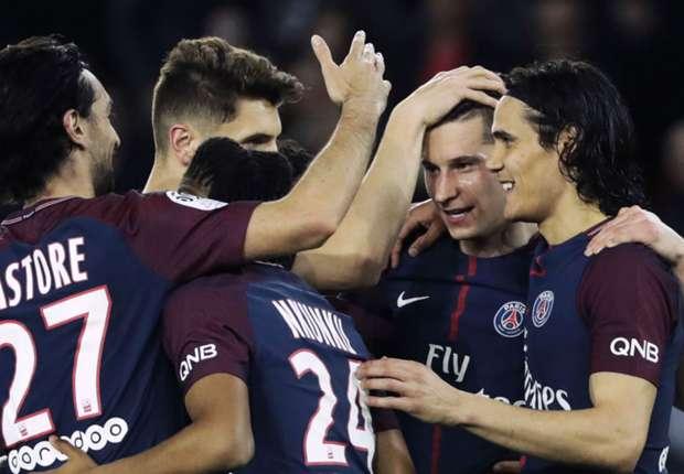 Neymar et Dani Alves fêtent le titre du PSG - La Ligue 1 sur les réseaux sociaux
