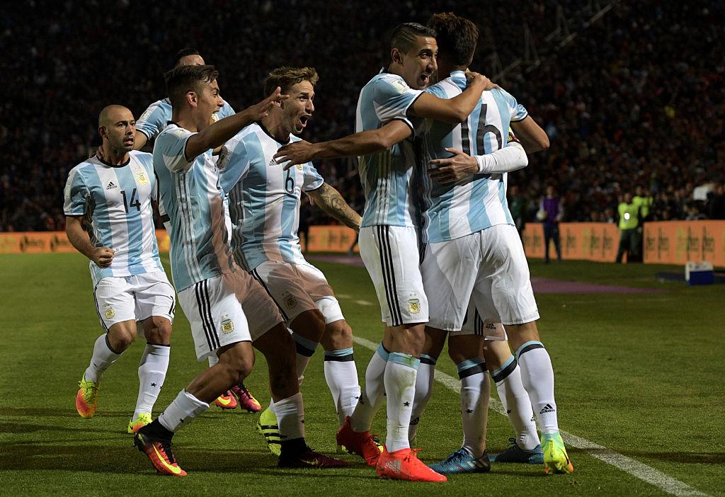 Argentina celebrate vs uruguay