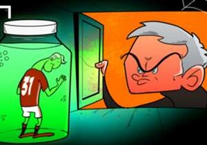 Bastian Schweinsteiger est mis en bocal par José Mourinho à Manchester United. Le visage du milieu allemand en dit long sur son humeur !