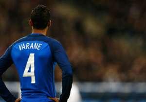 Raphael Varane   Francia  El central de Real Madrid sufrió una rotura fibrilar de grado 2 en el bíceps femoral izquierdo.