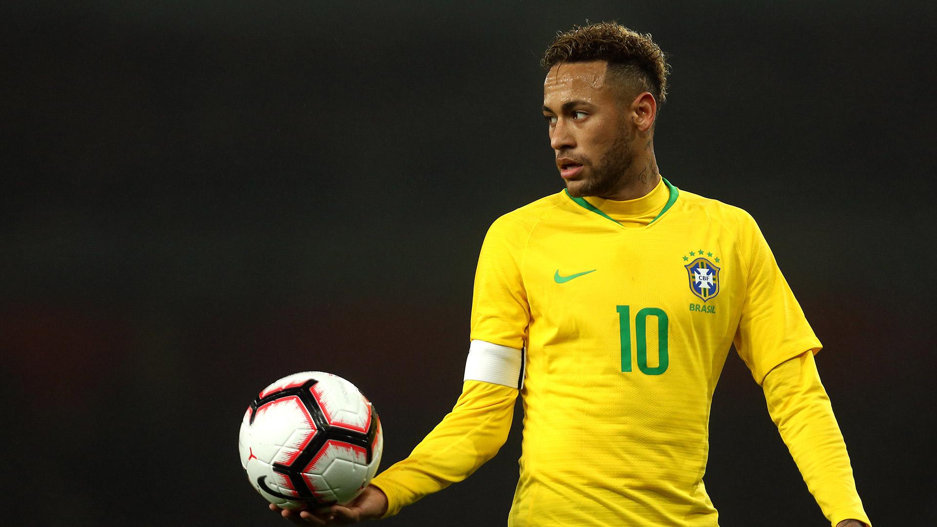 """Affaire Neymar : la police porte plainte pour """"calomnie"""" contre Najila Trindade, l'accusatrice de la star parisienne"""