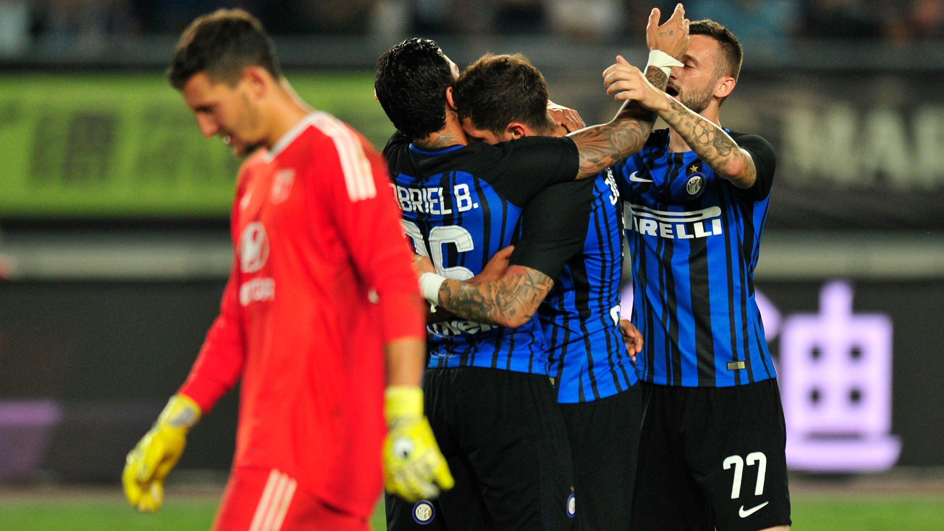 Inter Milan v Lyon