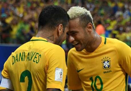 有片睇:巴西球星玩足球乒乓