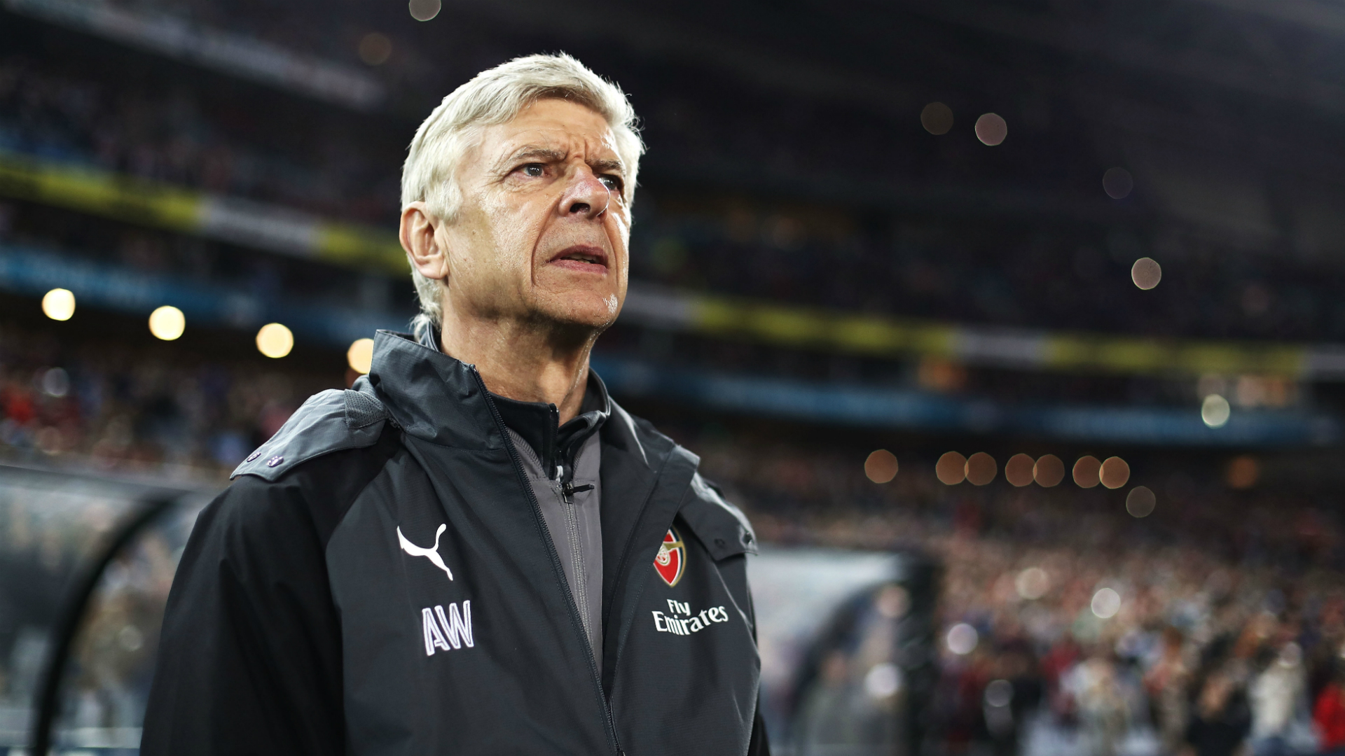 Arsenal tried to sign Pique, Fabregas and Messi - Wenger