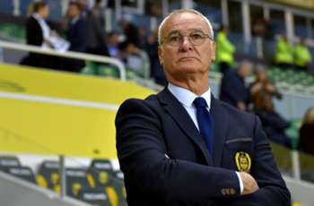 Ranieri won't rule out possibility of coaching Italy