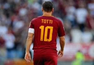 Totti torehkan catatan statistik yang brilian selama 25 tahun masa abdinya di Roma.